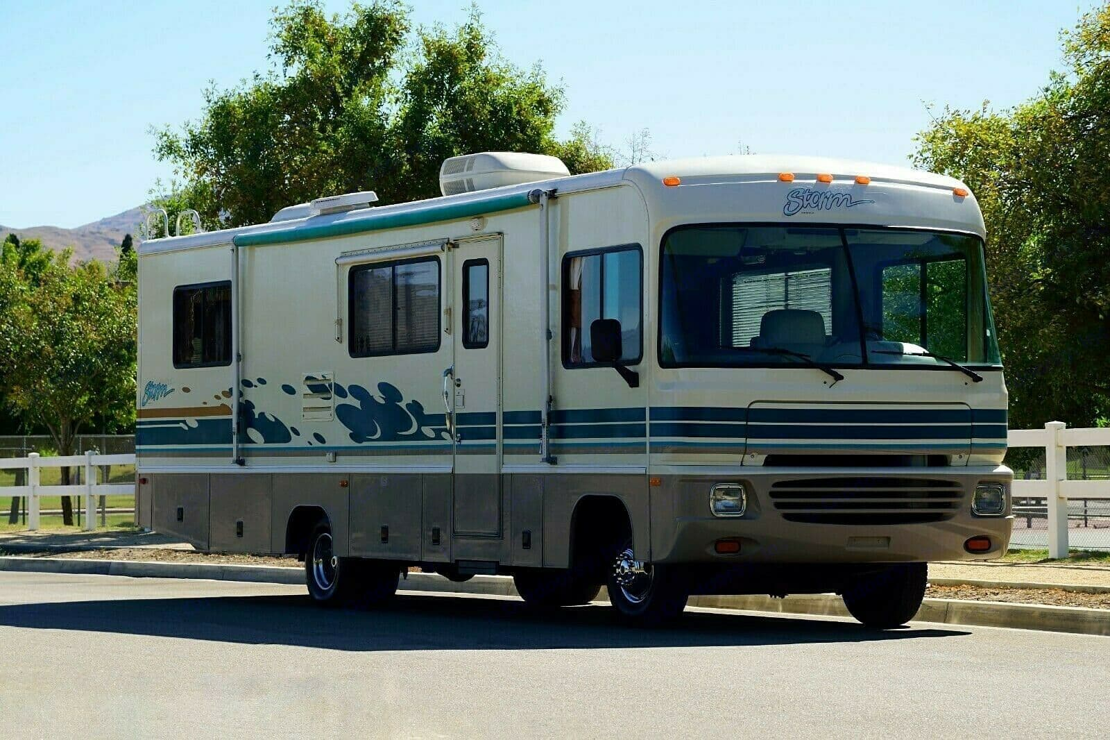 Fleetwood Storm 30 feet motorhome. Your home away from home. . Fleetwood Storm 1996