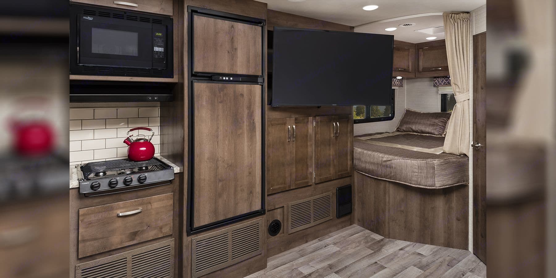 Comes with 50 inch TV, can play DVDs.. Jayco Redhawk 2019