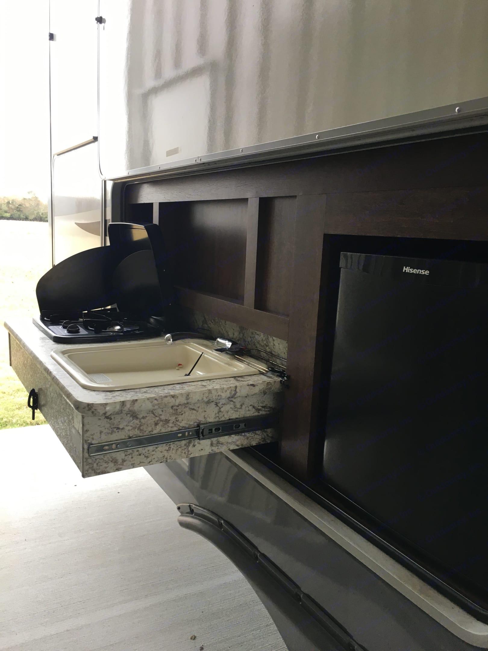 Outdoor Kitchen. Open Range Light 2017