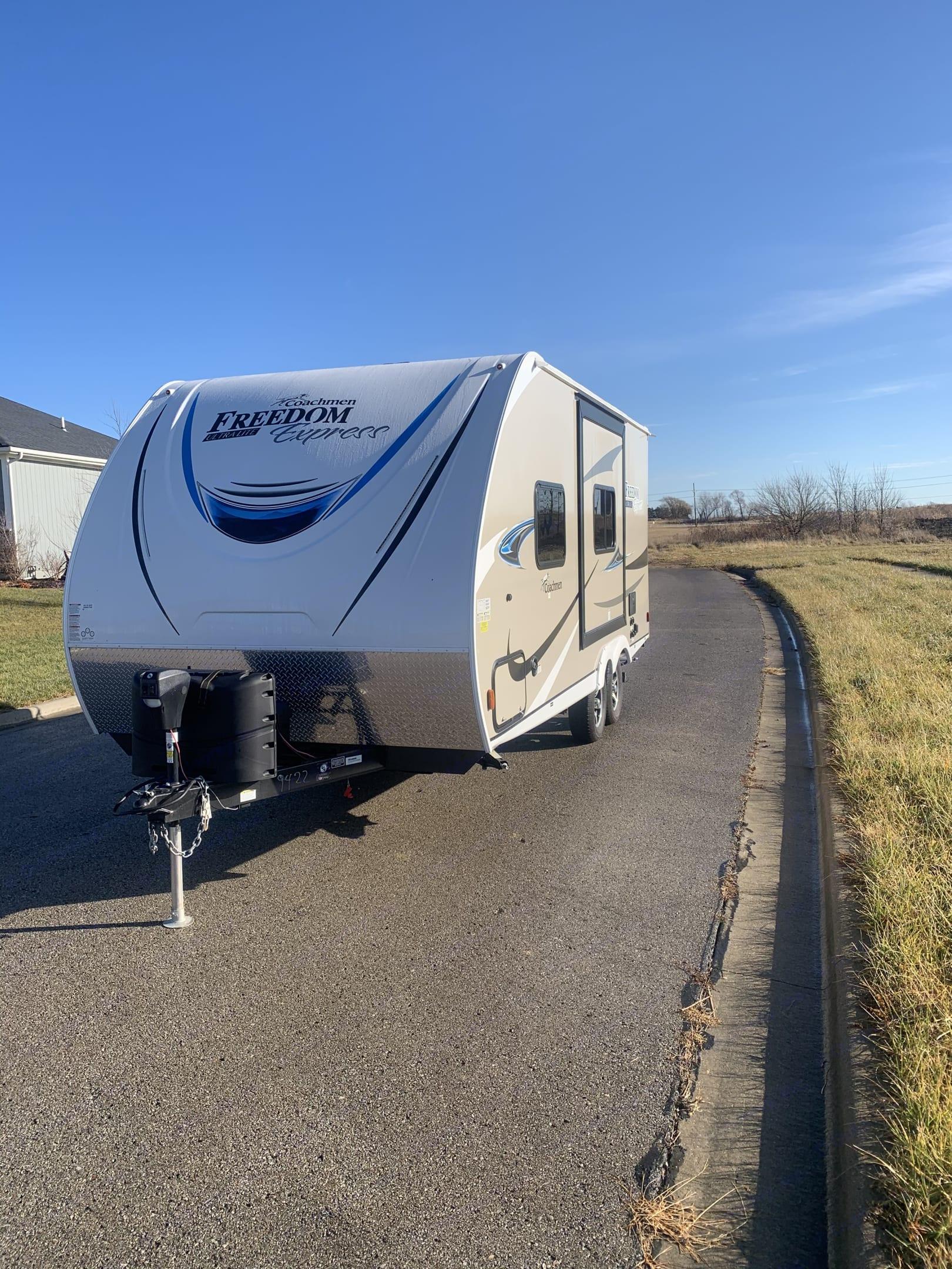 Brand new Rv beautiful exterior. Coachmen Freedom Express 2020