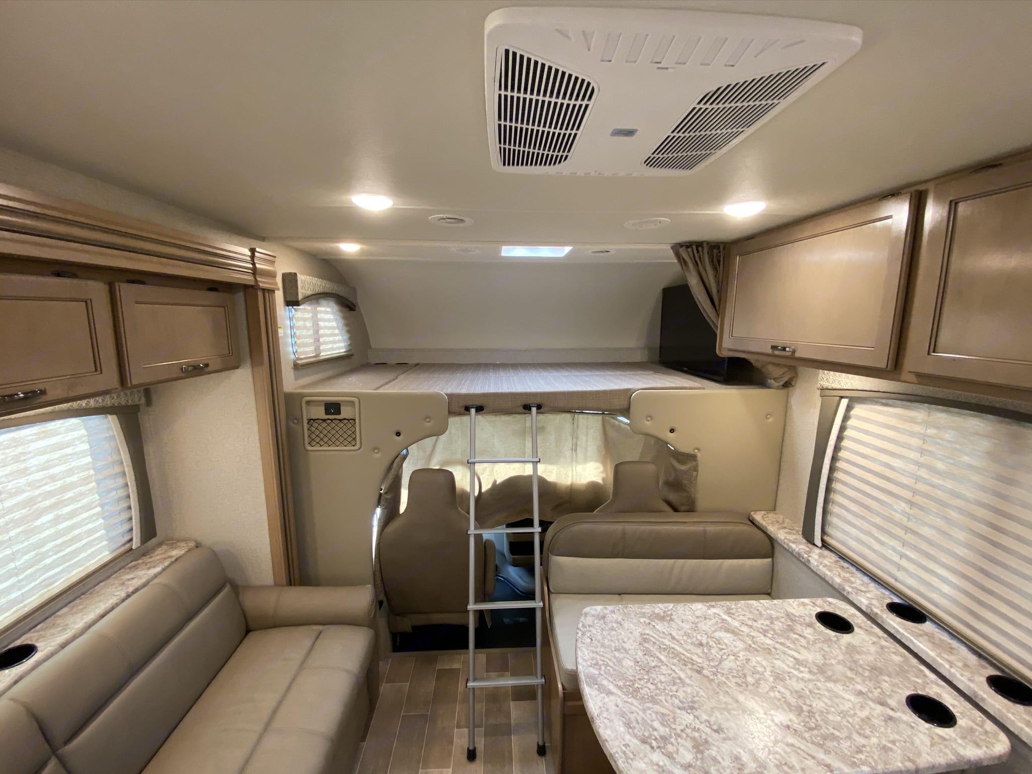 Thor Motor Coach Chateau 2020