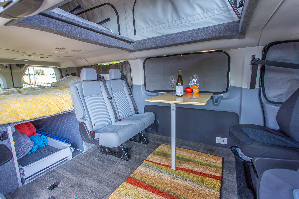 The indoor table is perfect to enjoy a meal inside or a game of cards. Ford F350 2018