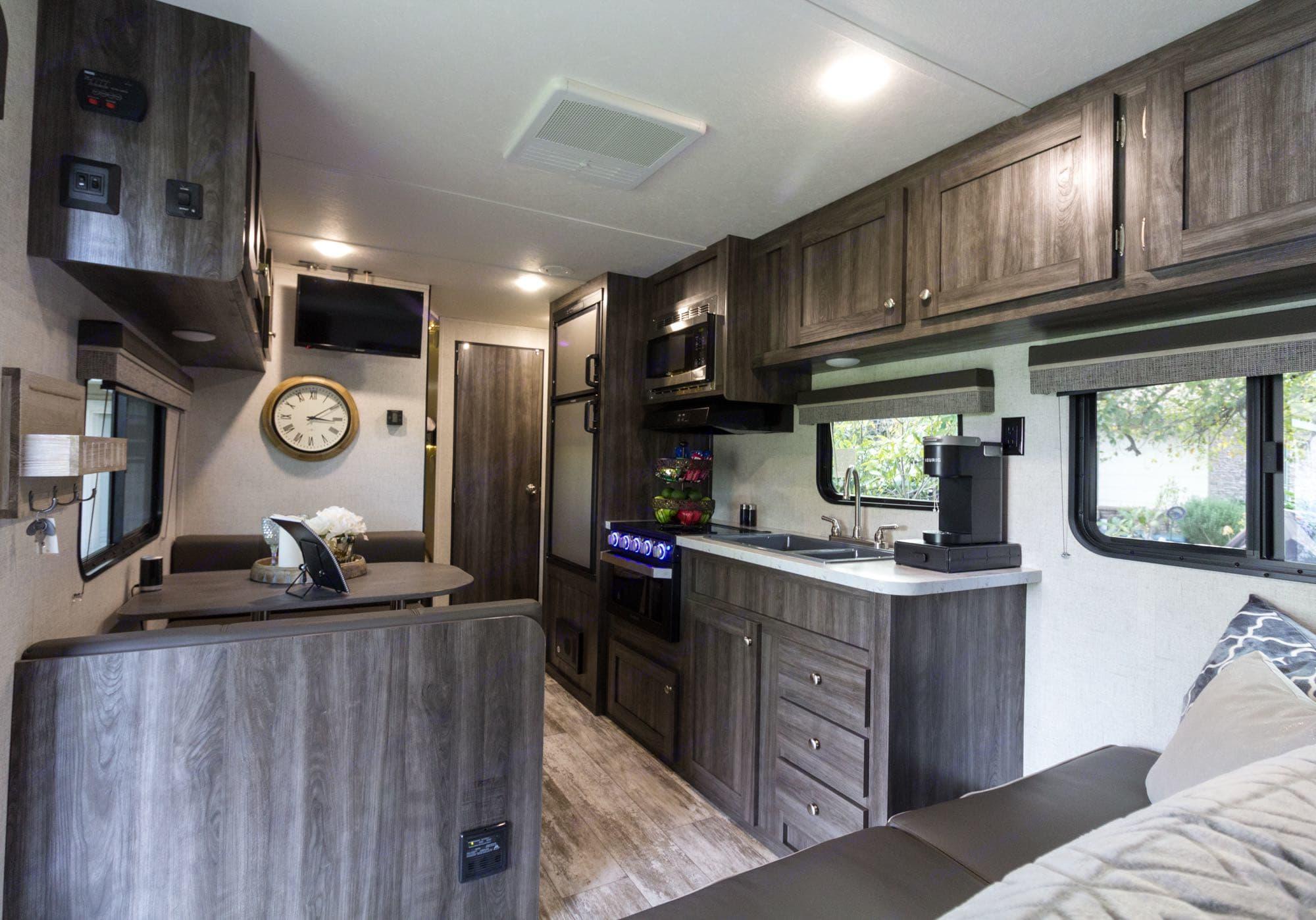 Beautiful floorplan. Highland Ridge Open Range OT26BH 2020