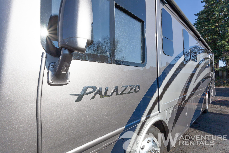 Thor Motor Coach Palazzo 2019