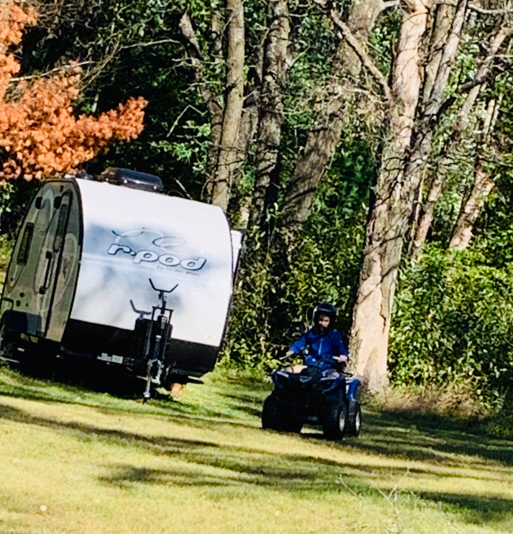 R-Pod by Forest River!  20' Feet Long Lightweight Compact Trailer.  2020 176T Model . Forest River R-Pod 2020