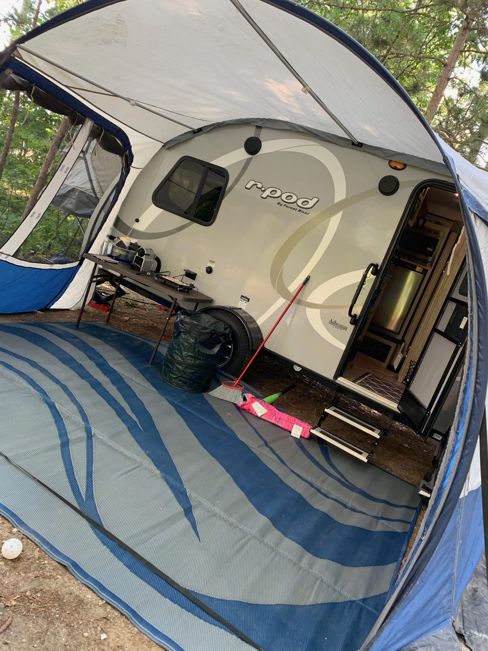 We just LOVE the Rdome it has many configurations so you can use as an awning or fully enclosed space. Rental includes the Rdome and outdoor mat but not appliances shown in this photo. . Forest River R-Pod 2020