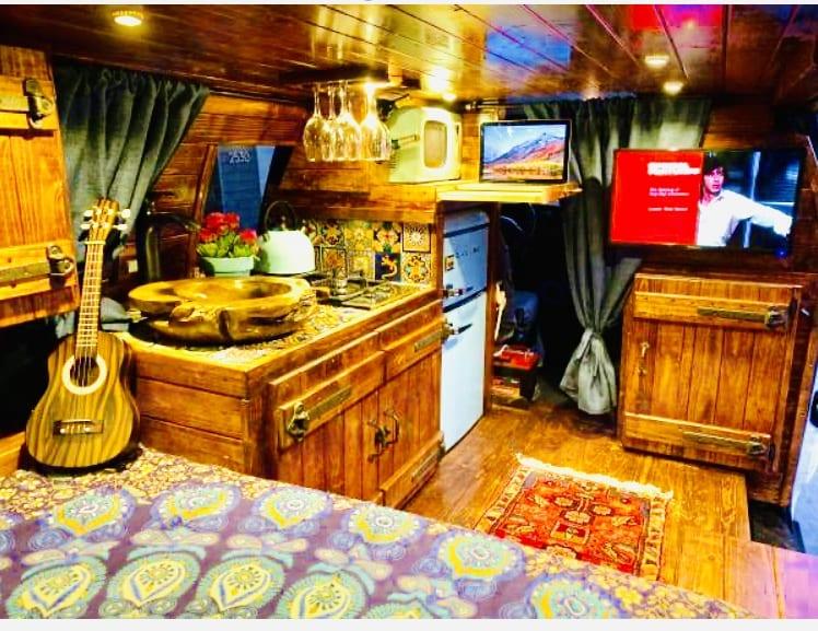 Ford E350 Box Van 2006