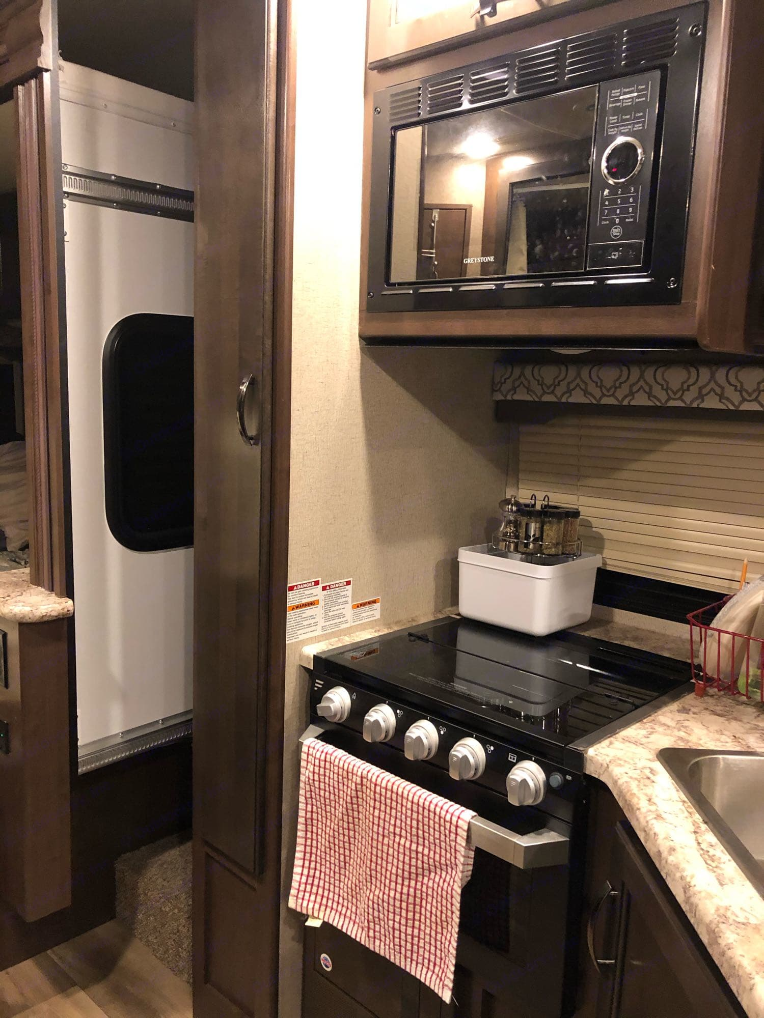 stove and microwave. Ford Fourwinds 2020