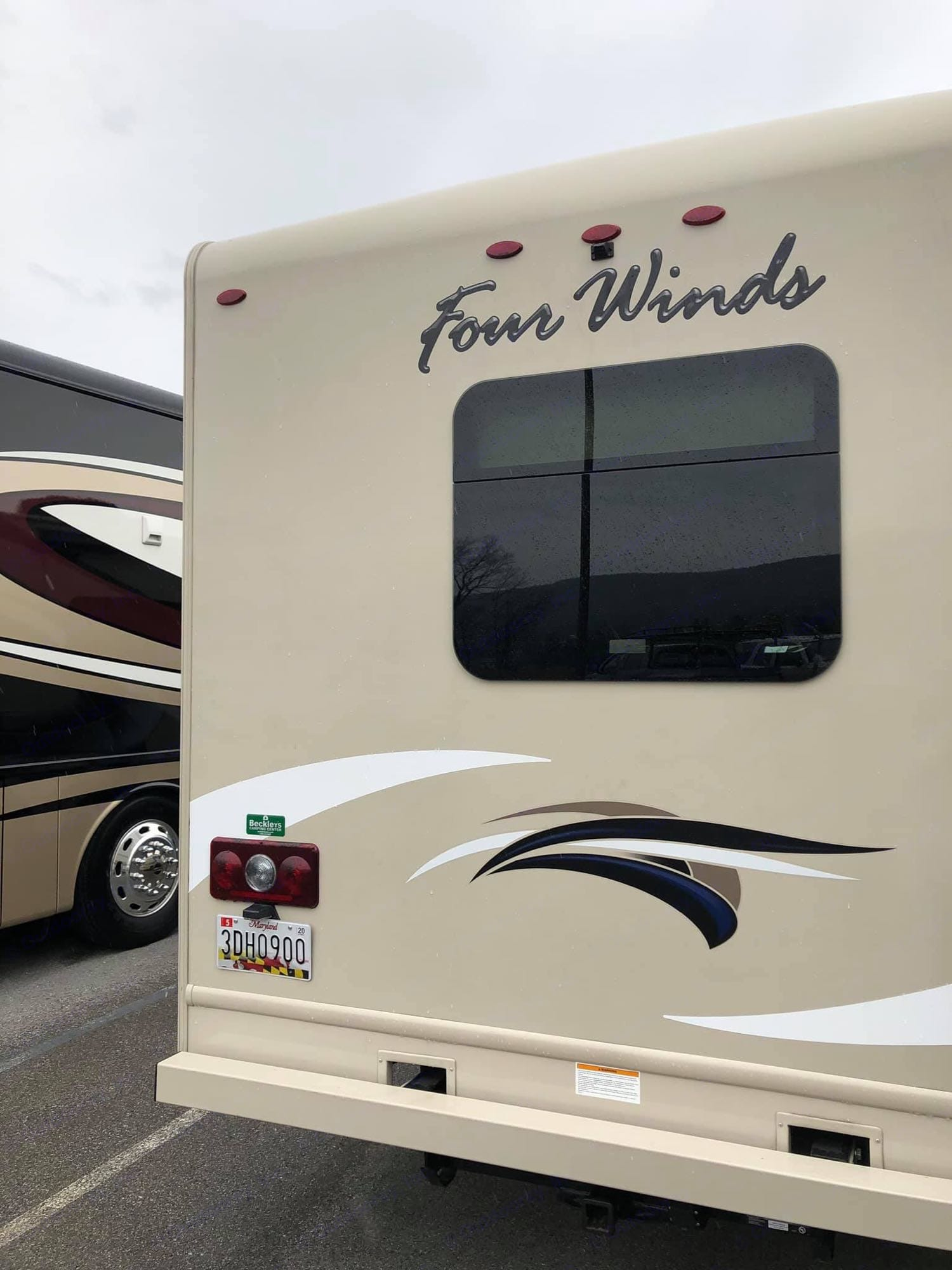 Thor Motor Coach Four Winds 2017