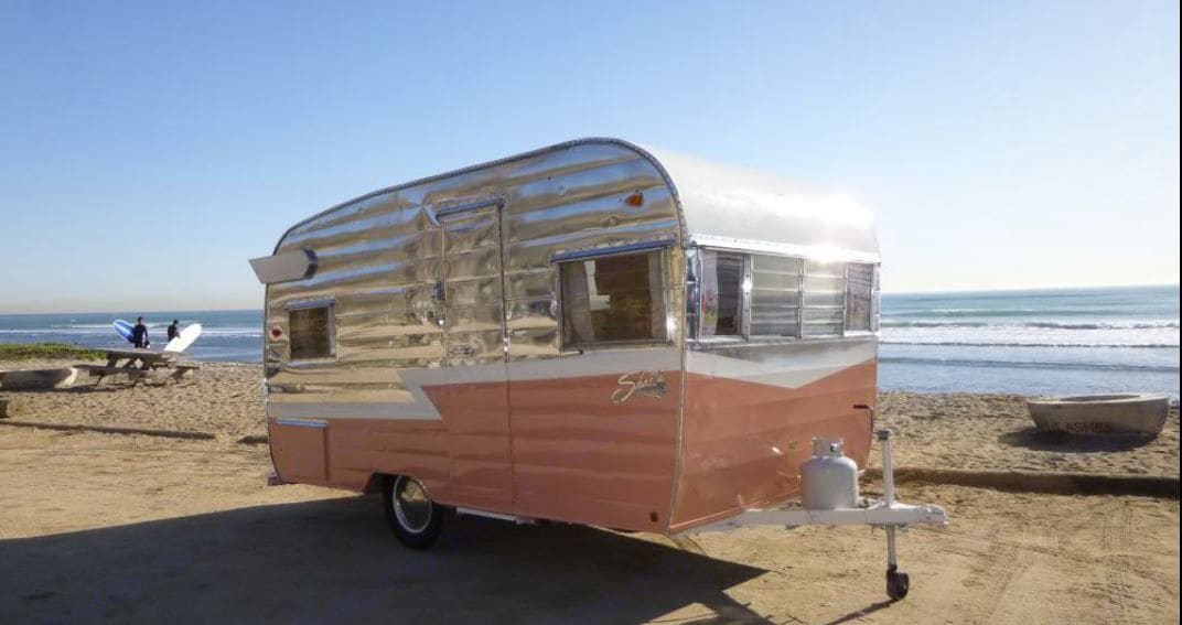Adorable Shasta trailer is the star wherever she goes.. Shasta 1500 1963