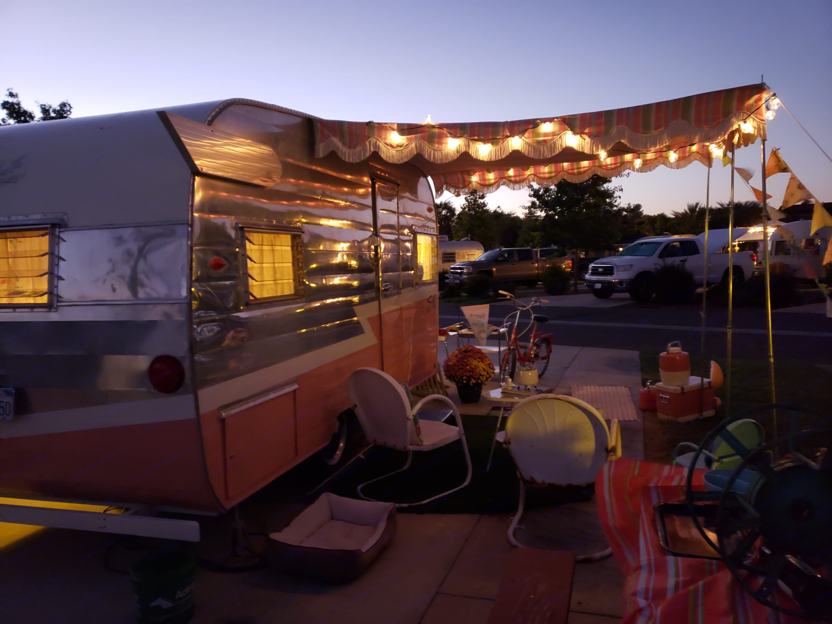 Matching awning and poles included.. Shasta 1500 1963