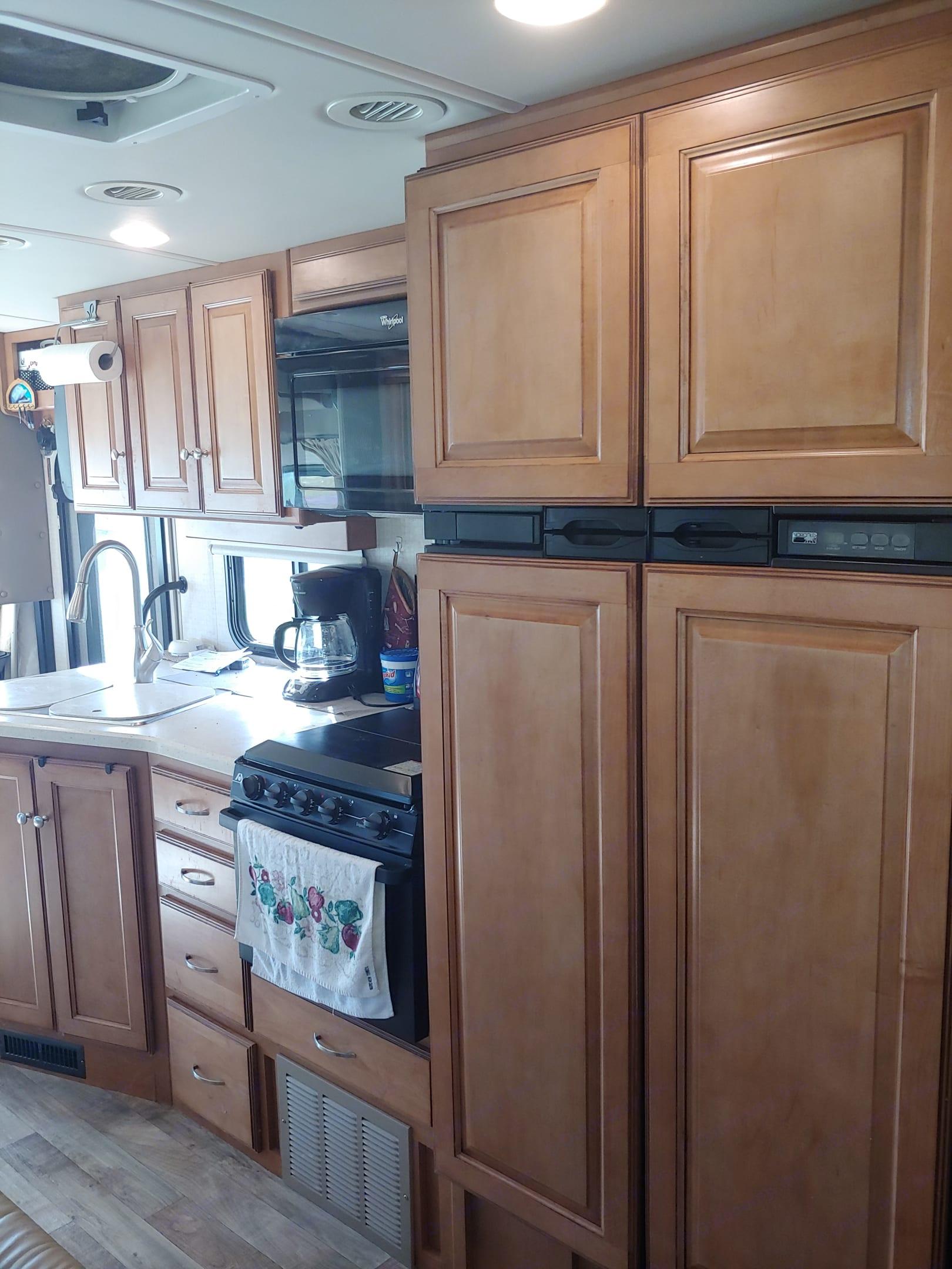 Kitchen. Winnebago Vista lx 2016