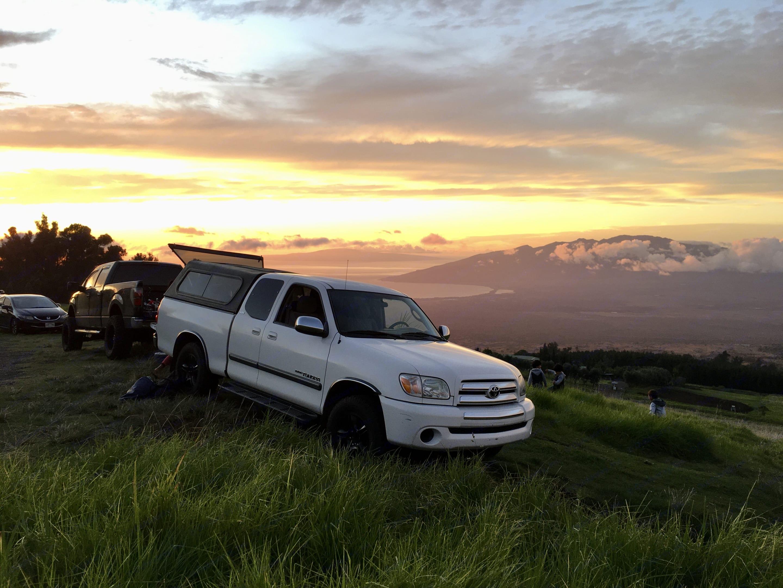 Sunset. Toyota Tundra 2006