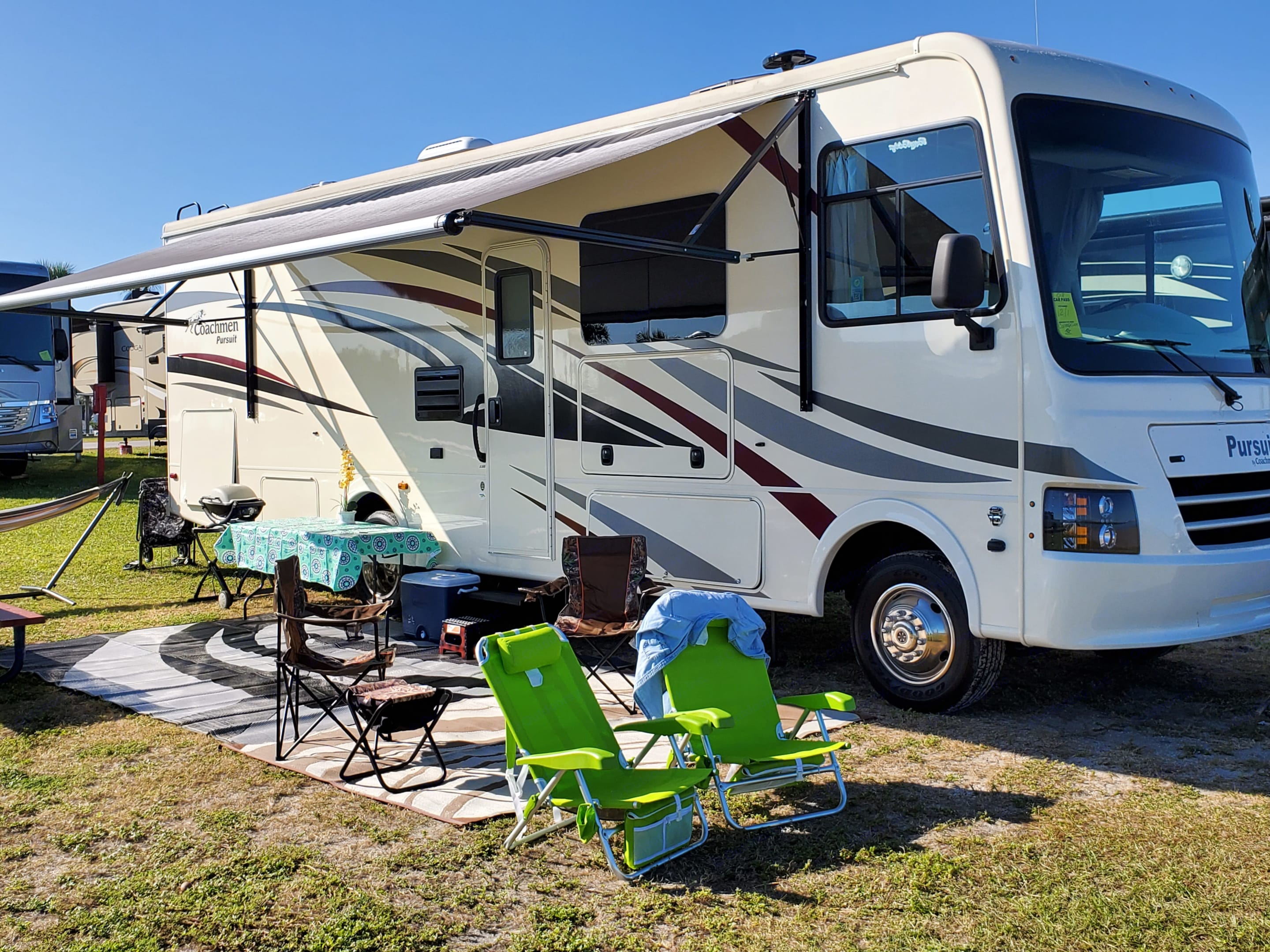 Brand New 2019 Pursuit.  Easy to drive and enjoy your adventure!  Delivery also available!. Coachmen Pursuit 2019