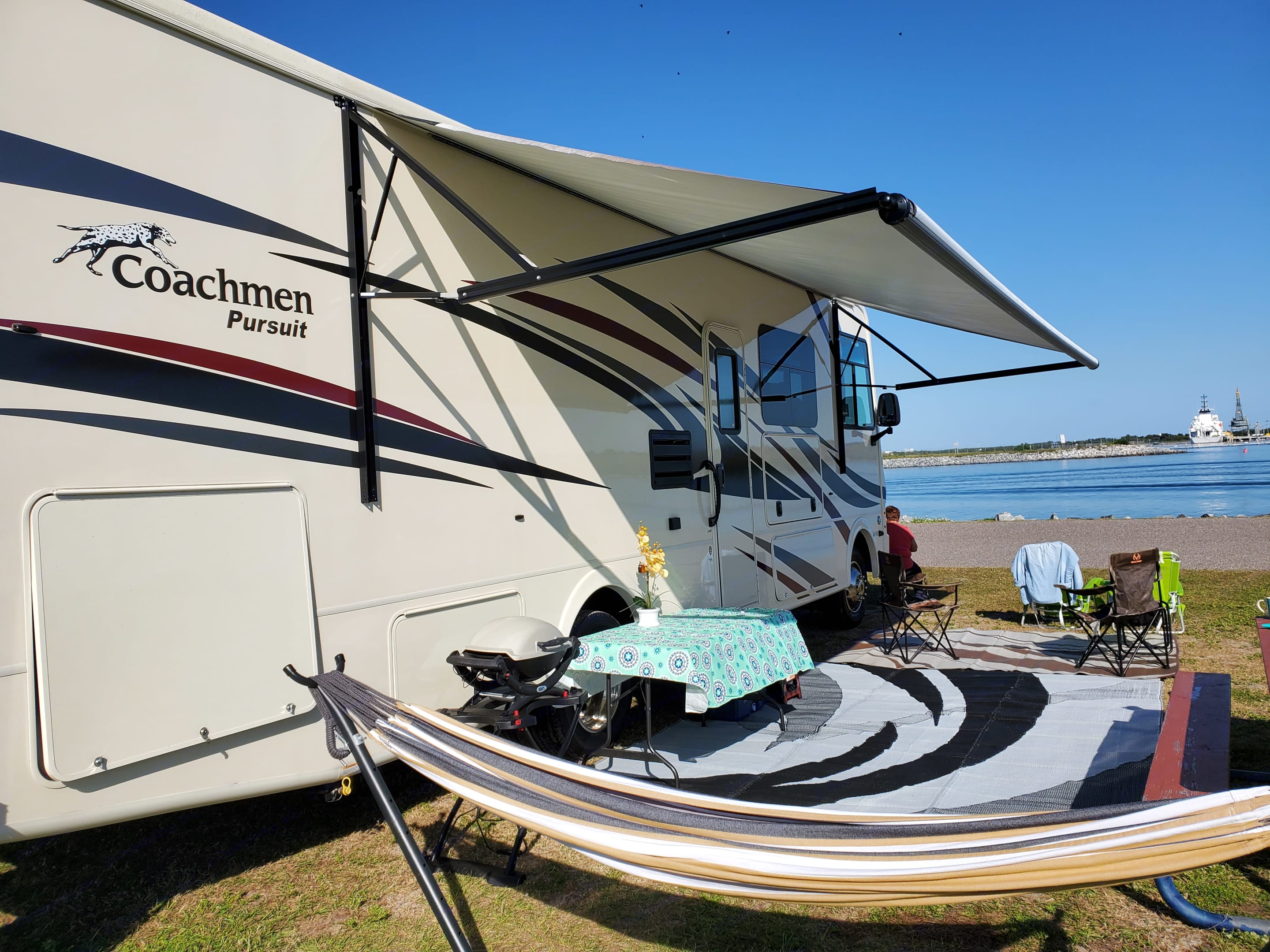 Enjoy any views at the beaches, lakes, mountains from the inside or outside!. Coachmen Pursuit 2019