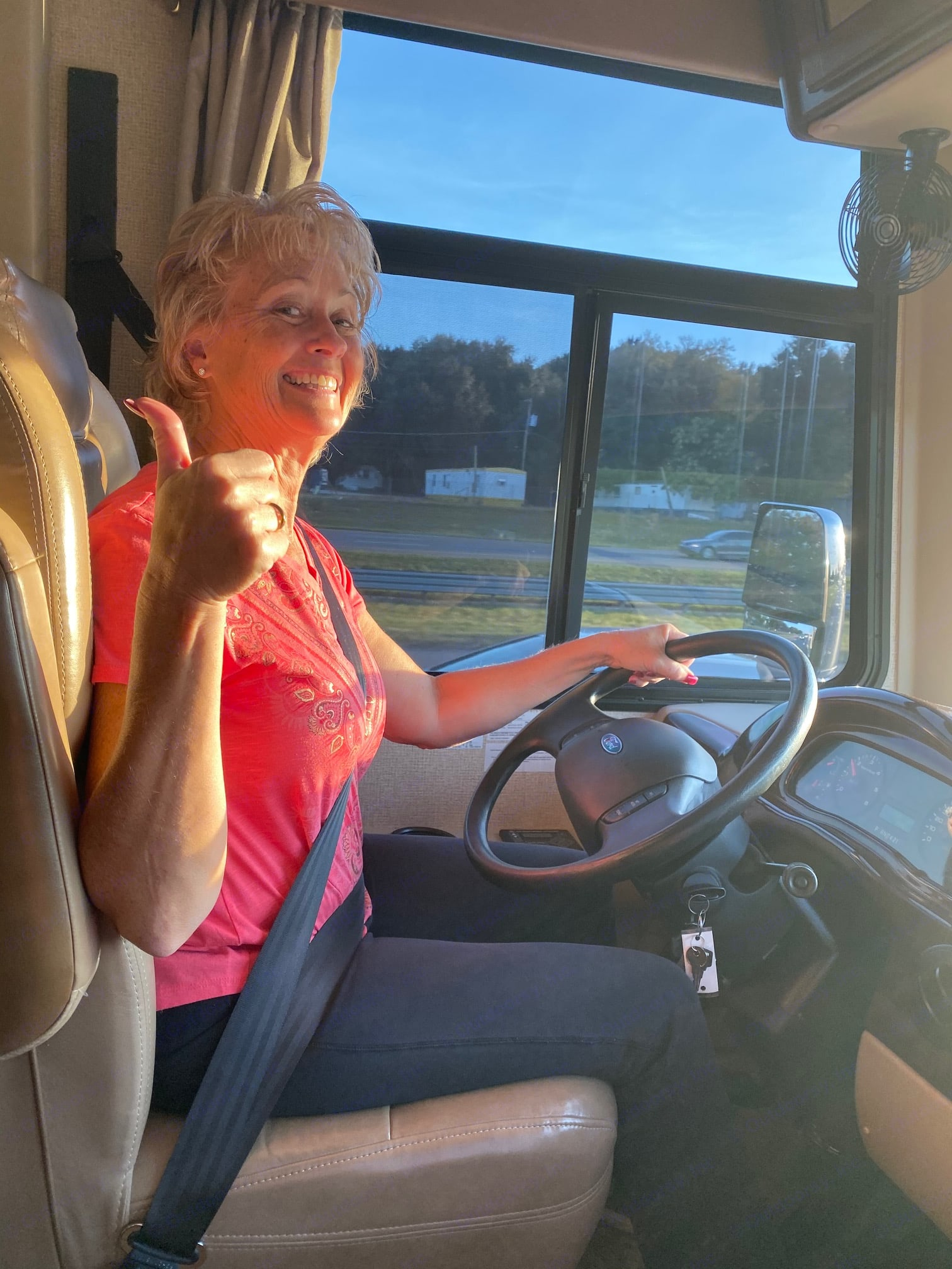 Fun and the right & left side and cameras make easy and fun to drive. Thor Motor Coach Windsport 2017