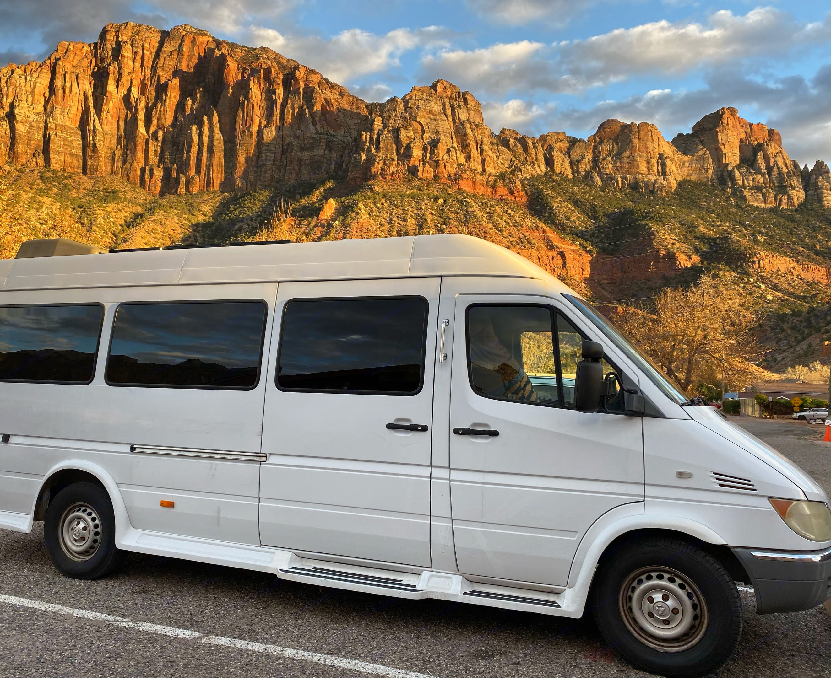 The van is beautiful, we suppose the sunset is t too bad either!. Dodge Sprinter 2500 170ext 2004