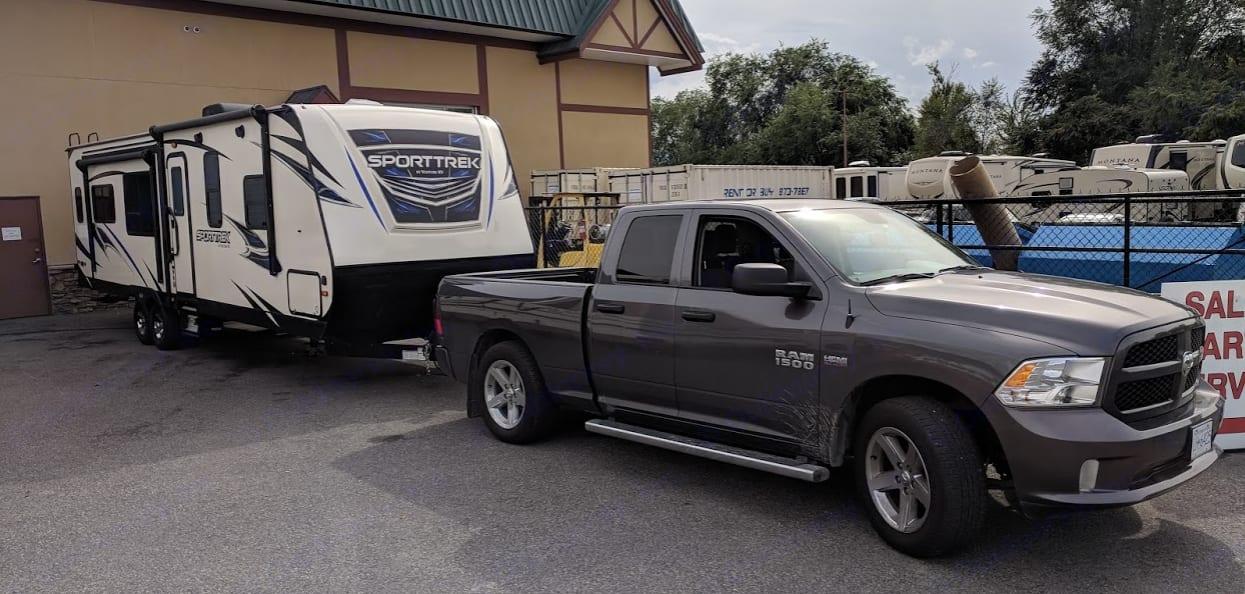7000 lbs for easy half-ton towing. Venture Rv Sporttrek 2019