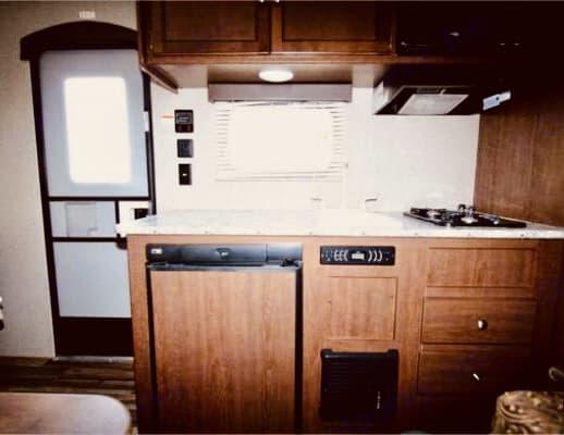 Complete Kitchen!!. Keystone Hideout 2018