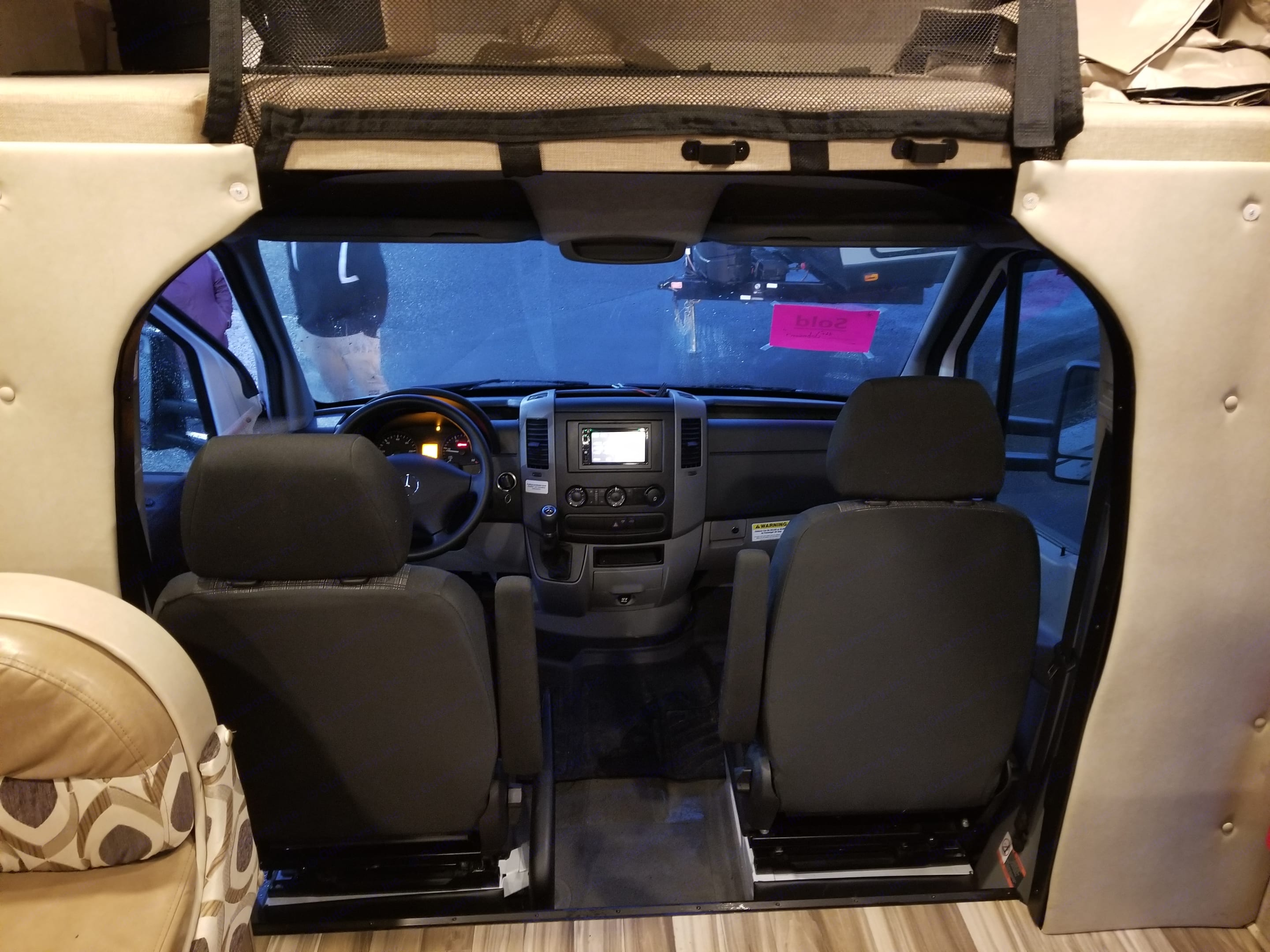 Front seats can rotate 180 for extra seating in the main cabin. Coachmen Prism 2017