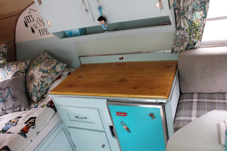 No sink?  Outdoor washing station provided.. Serro Scotty Sportsman 1966