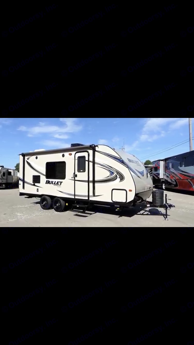 2016 keystone bullet crossfire Excellent condition. ready for rent. Keystone Bullet 2016
