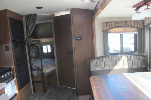 Full sized Bunk Beds. Timber Ridge 23DBS 2019