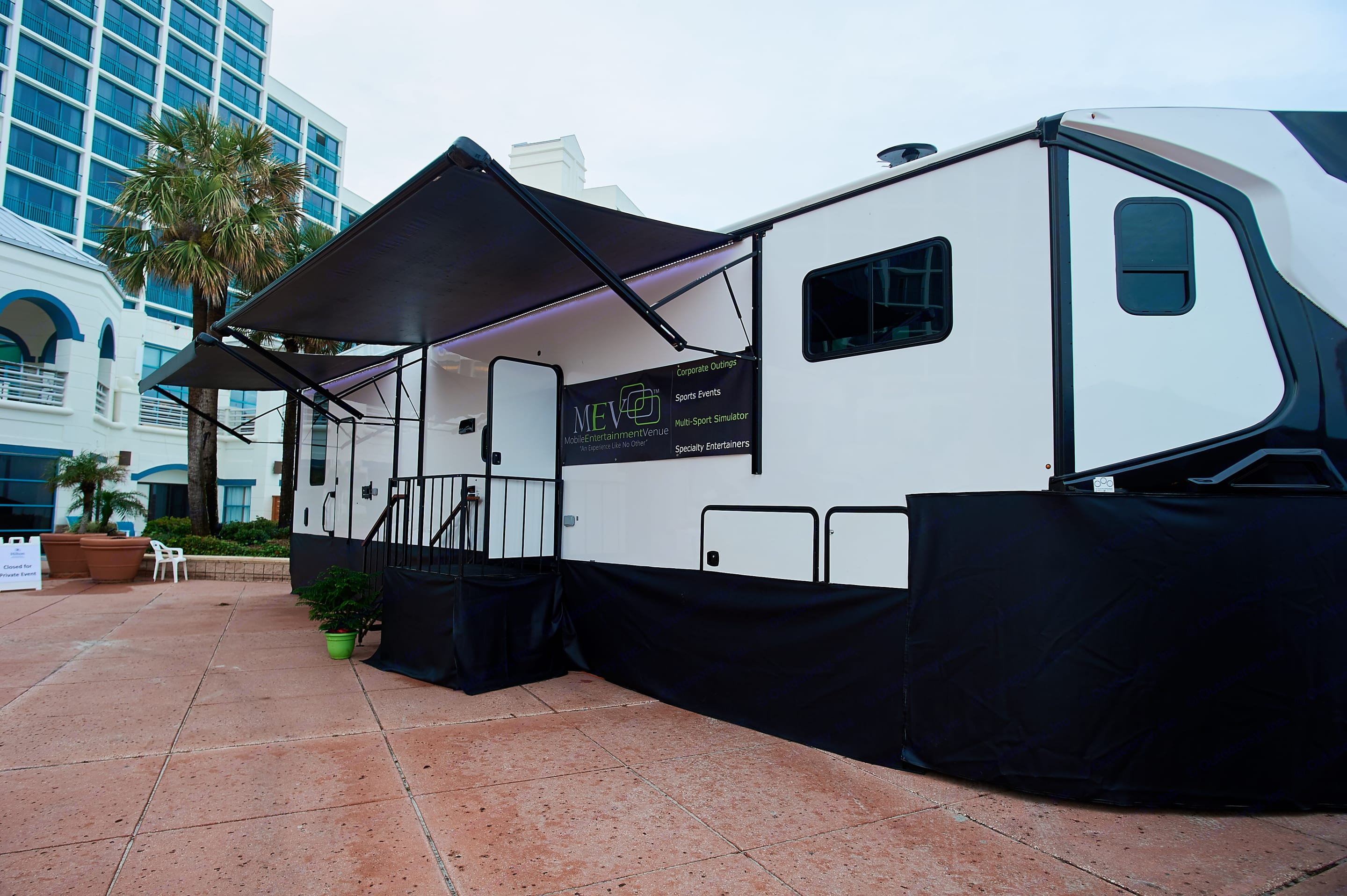 45' Mobile Hospitality Suite. Forest River Nitro Xlr 2017