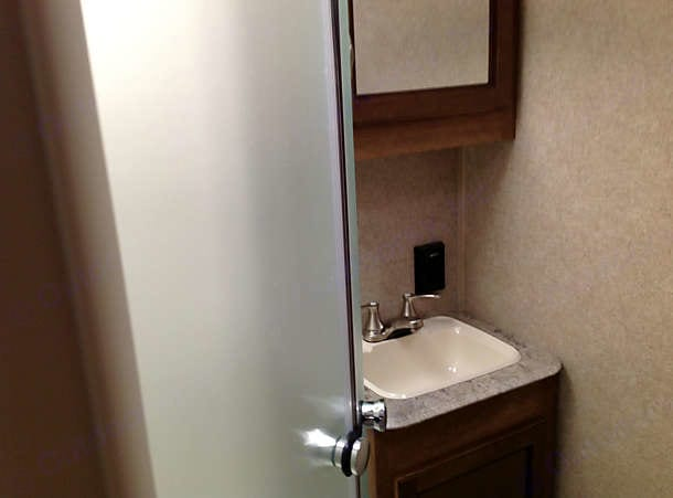 Bathroom. Coachmen Catalina 2017