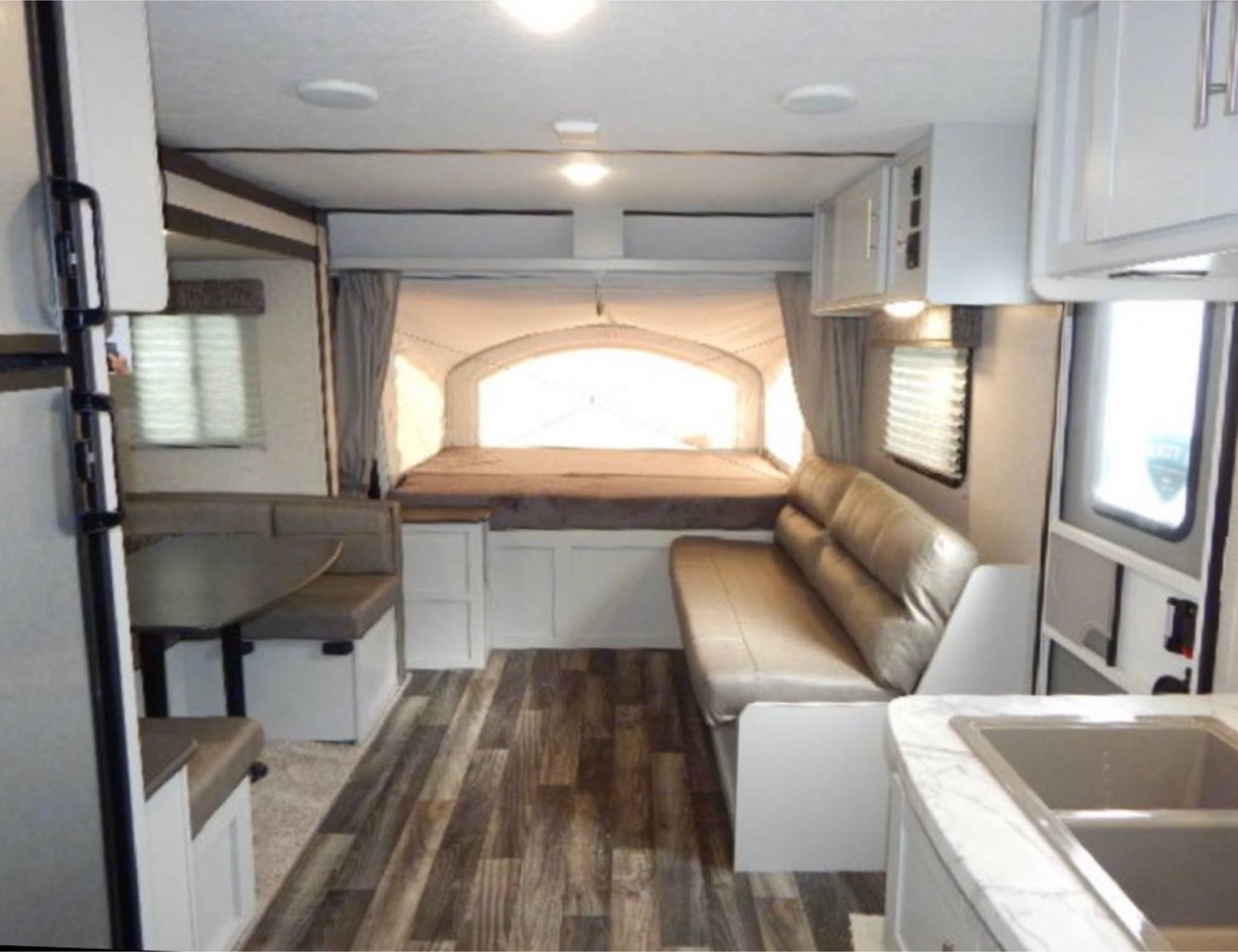 Table and sofa fold down into beds.. Keystone Crossfire 2190ex 2019