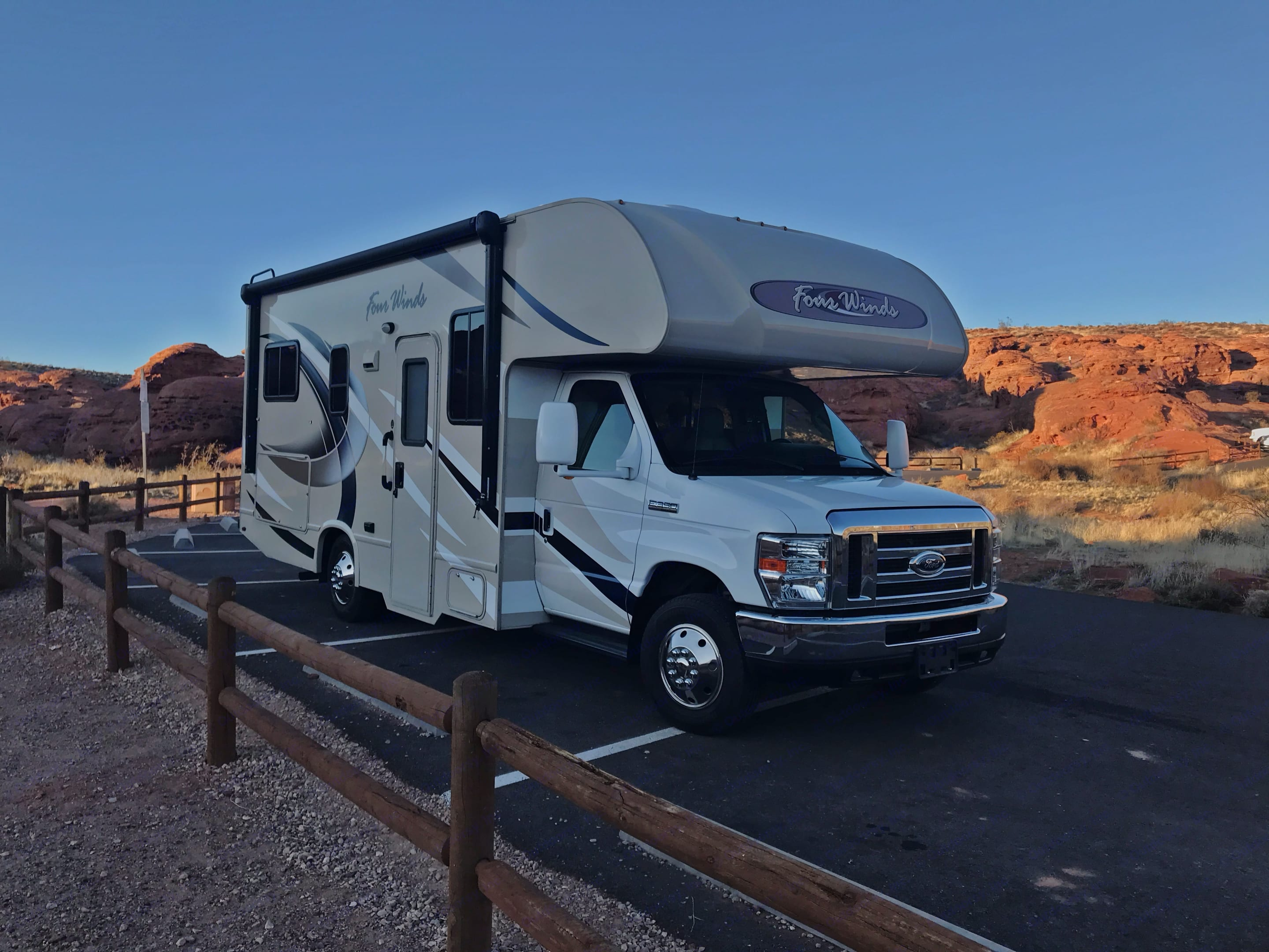 2018 Thor Four Winds. Thor Motor Coach Four Winds 2018