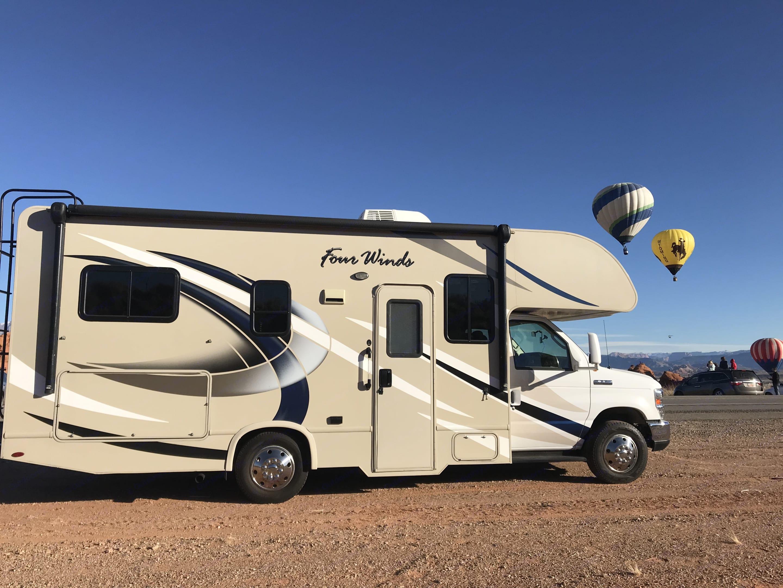 Desert Belle. Thor Motor Coach Four Winds 2018