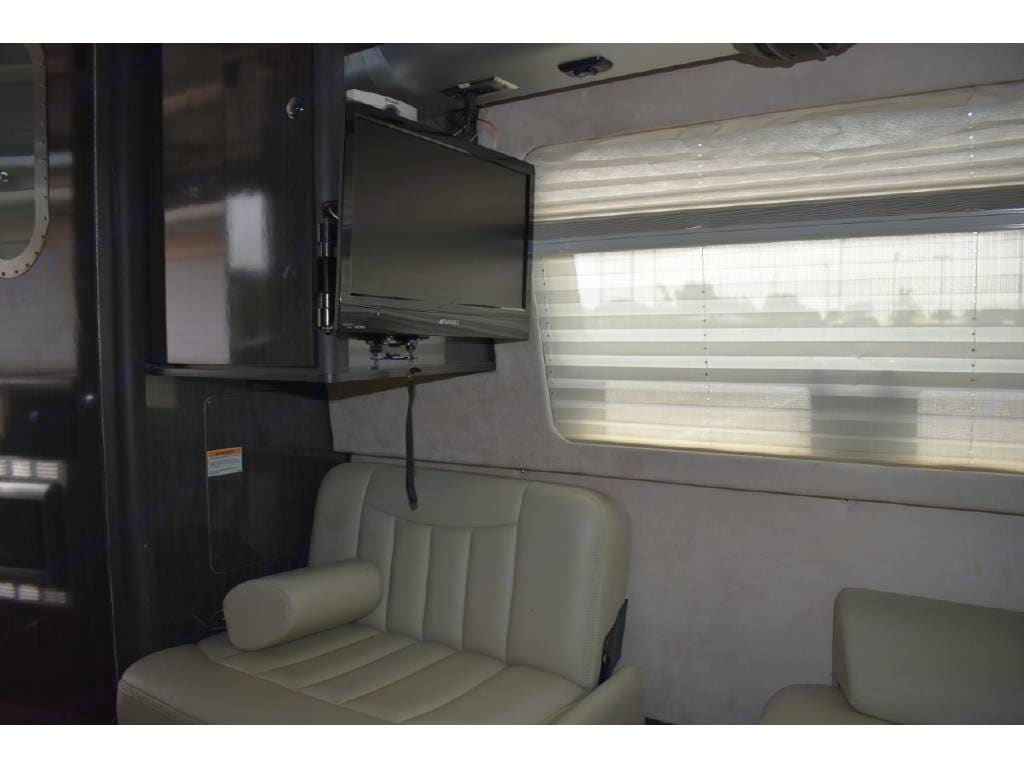 Airstream Interstate 2013