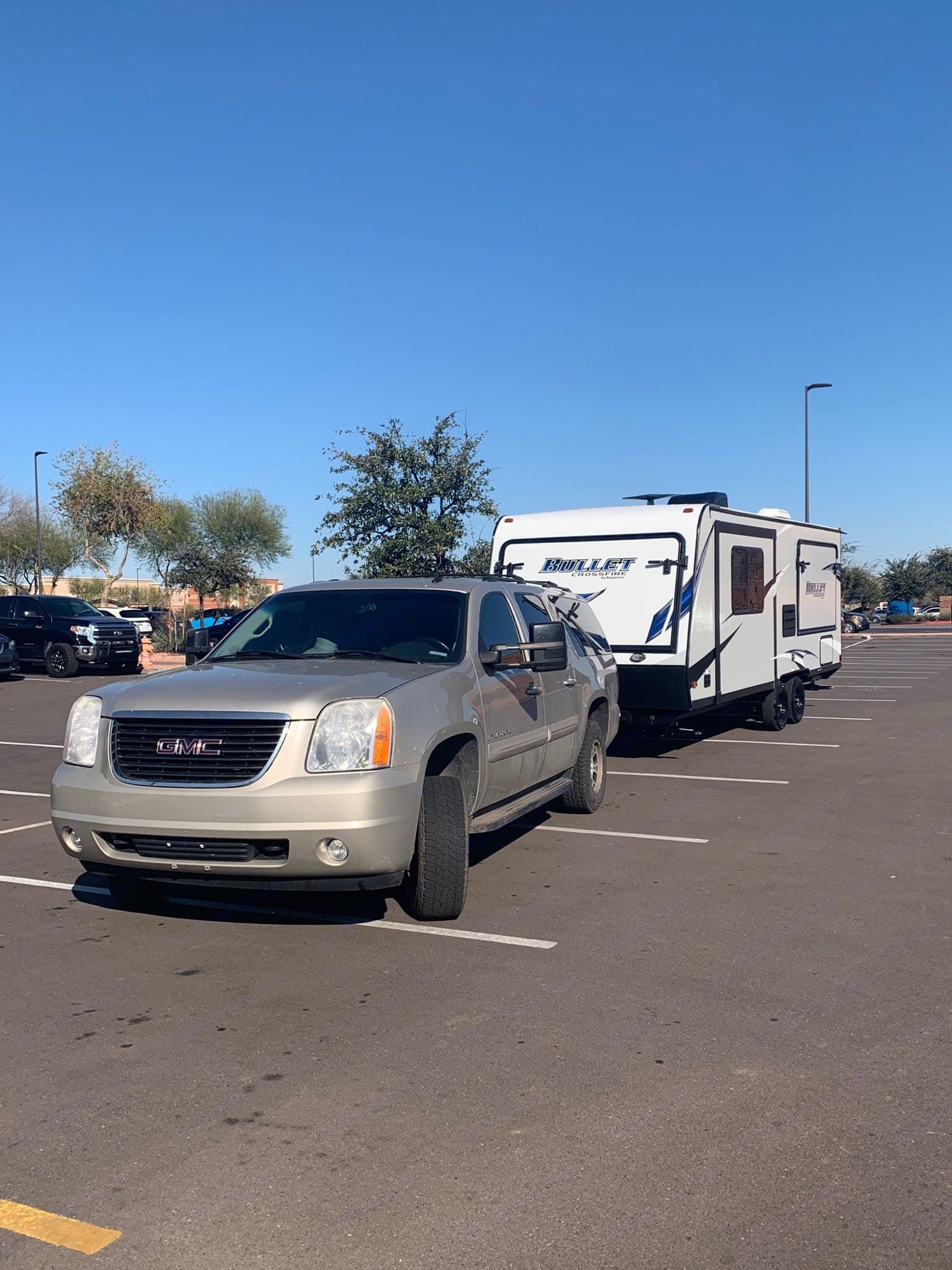 Trailer can be easily pulled by an SUV.. Keystone Crossfire 2190ex 2019