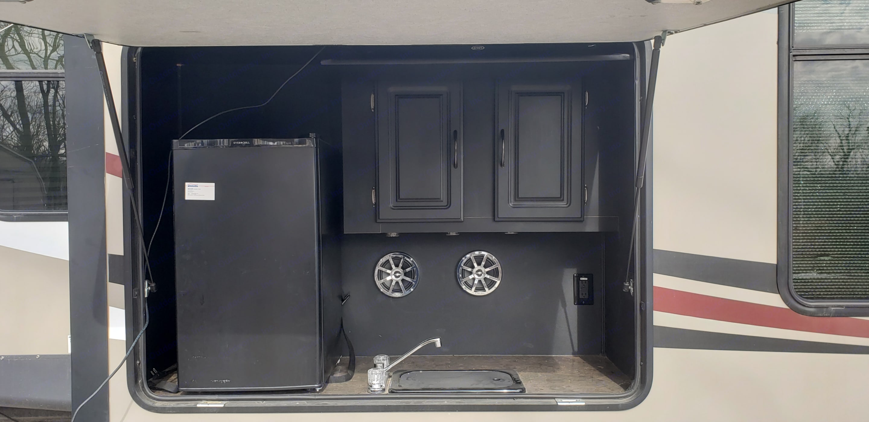 Outdoor Kitchen. Forest River Sandpiper For Delivery Only 2014