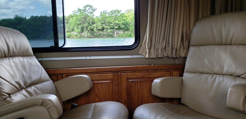 Airstream Land Yacht 1999