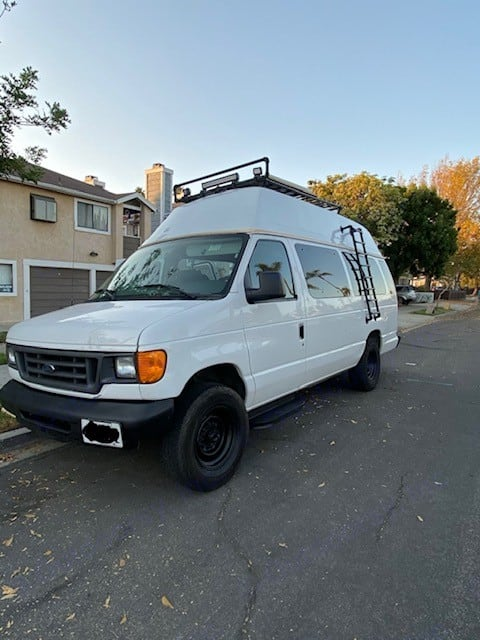 Side View- Ladder (no climbing to roof). Ford E250 Eagle Camper 2006