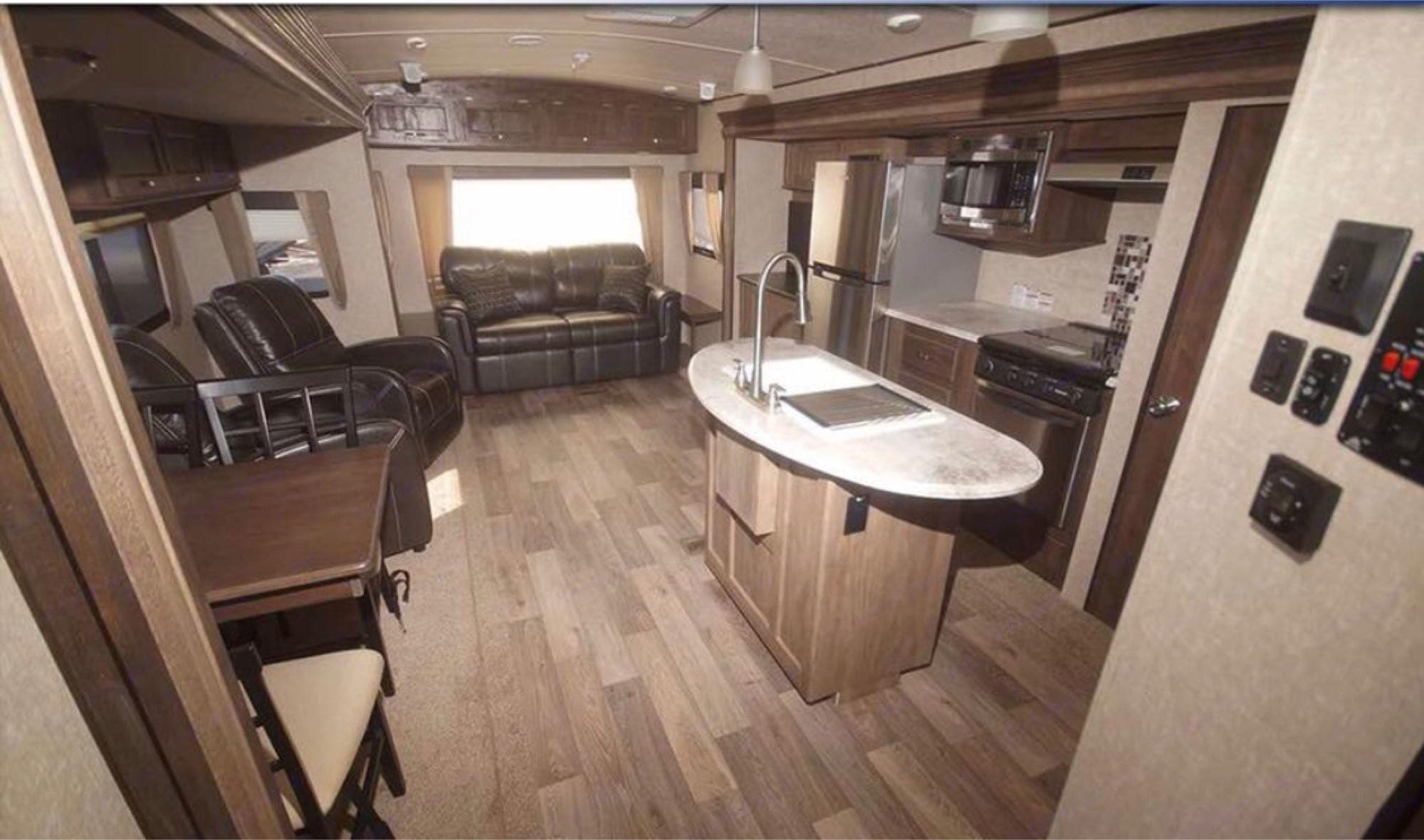 all rear living space. Forest River Vibe 2017