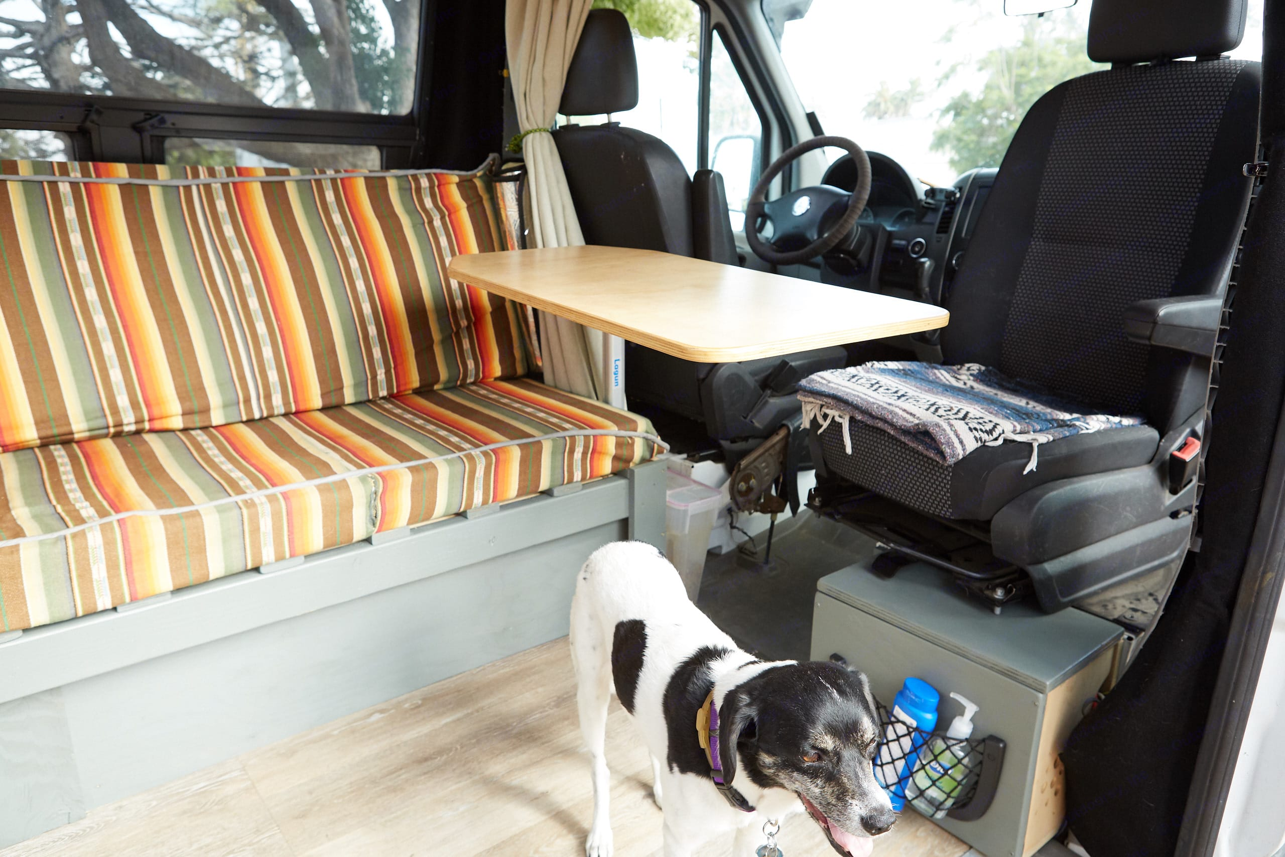 Swivel seat meets swivel table, seats 4 for dinner or games inside. Mercedes-Benz Sprinter 2007