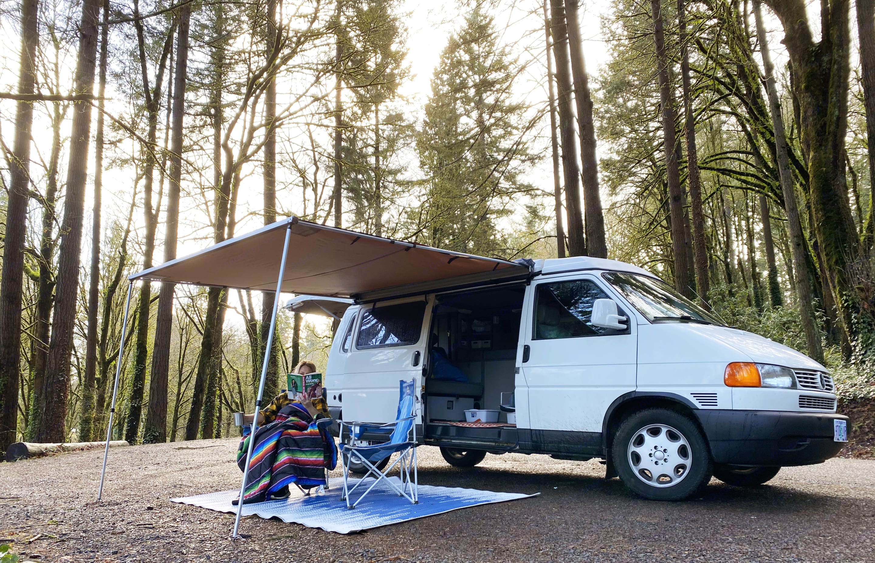 Explore the Pacific Northwest and beyond with Roxy.. Volkswagen Eurovan Camper 1997