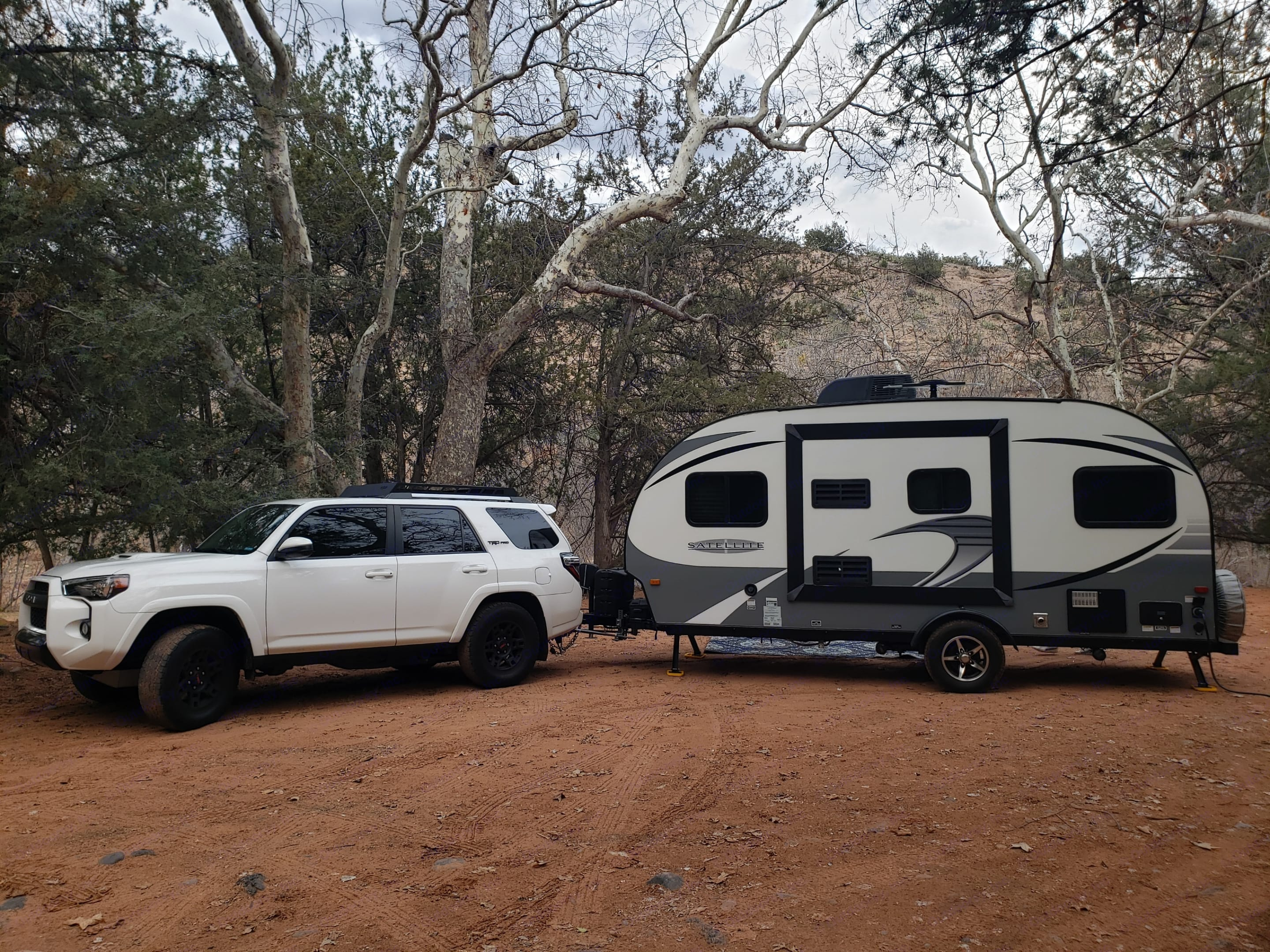 Camping at Lolo Mai Springs in Cornville, AZ. Starcraft Travel Trailer 2017