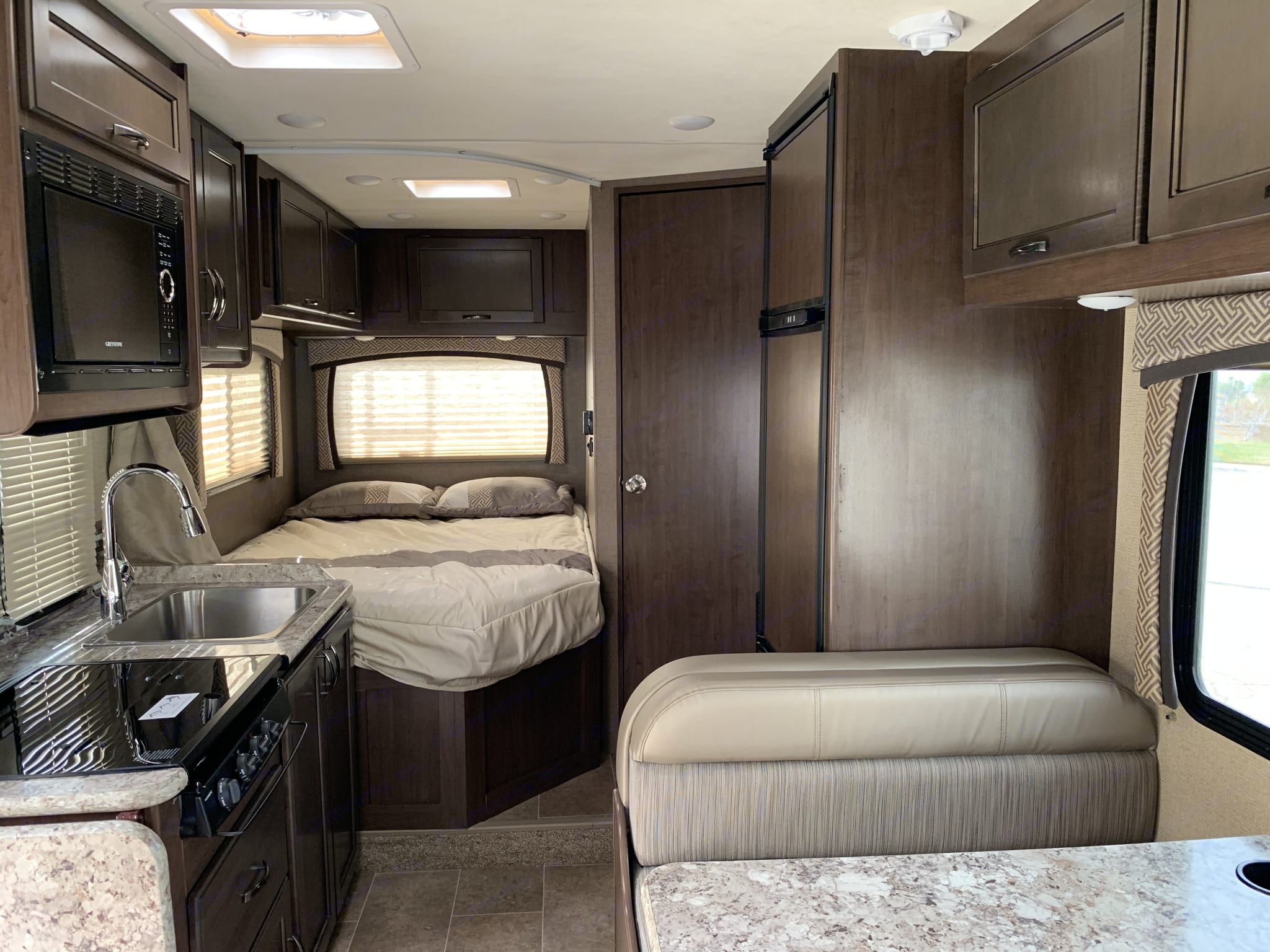 RV sleeps 6 and has seatbelts for 5.  Everything you need is here in this small but nice RV. Easier to drive than a class A.. Thor Motor Coach Chateau 2018