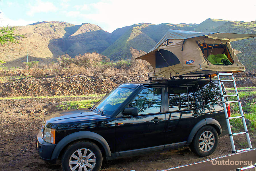 Camp in the mountains. Land Rover LR3 2006