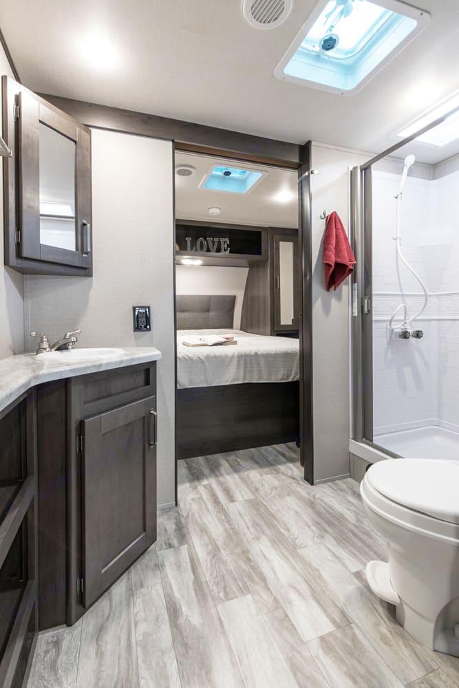 Bathroom and bedroom. Grand Design XPlor 265BHS 2020