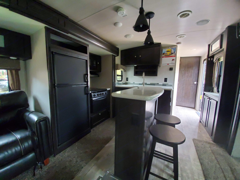 kitchen. Heartland North Trail 32RETS 2018