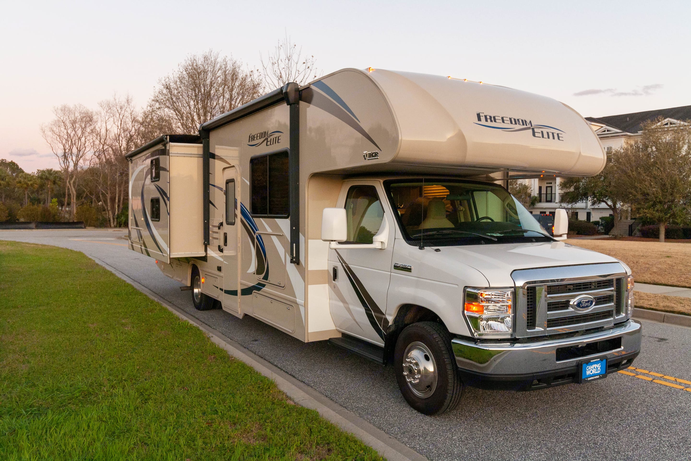 32 feet in length with extensions on both sides. Thor Motor Coach Freedom Elite 2019