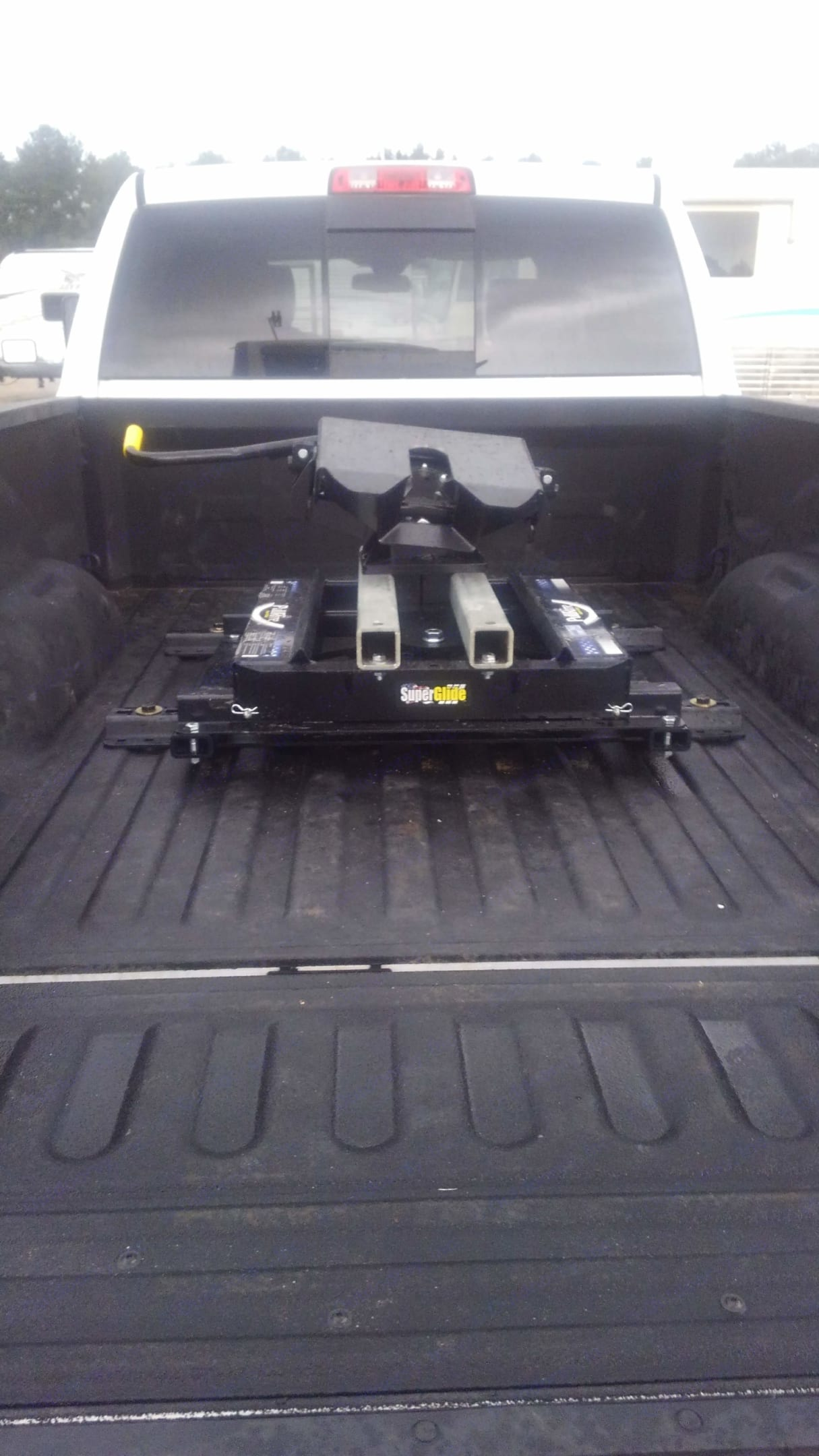Pull-rite 5th wheel hitch. Ram 3500 2012