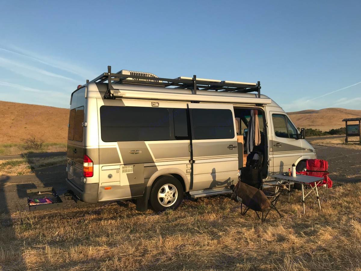 This shows the optional tow platform available.. Airstream Interstate 2006