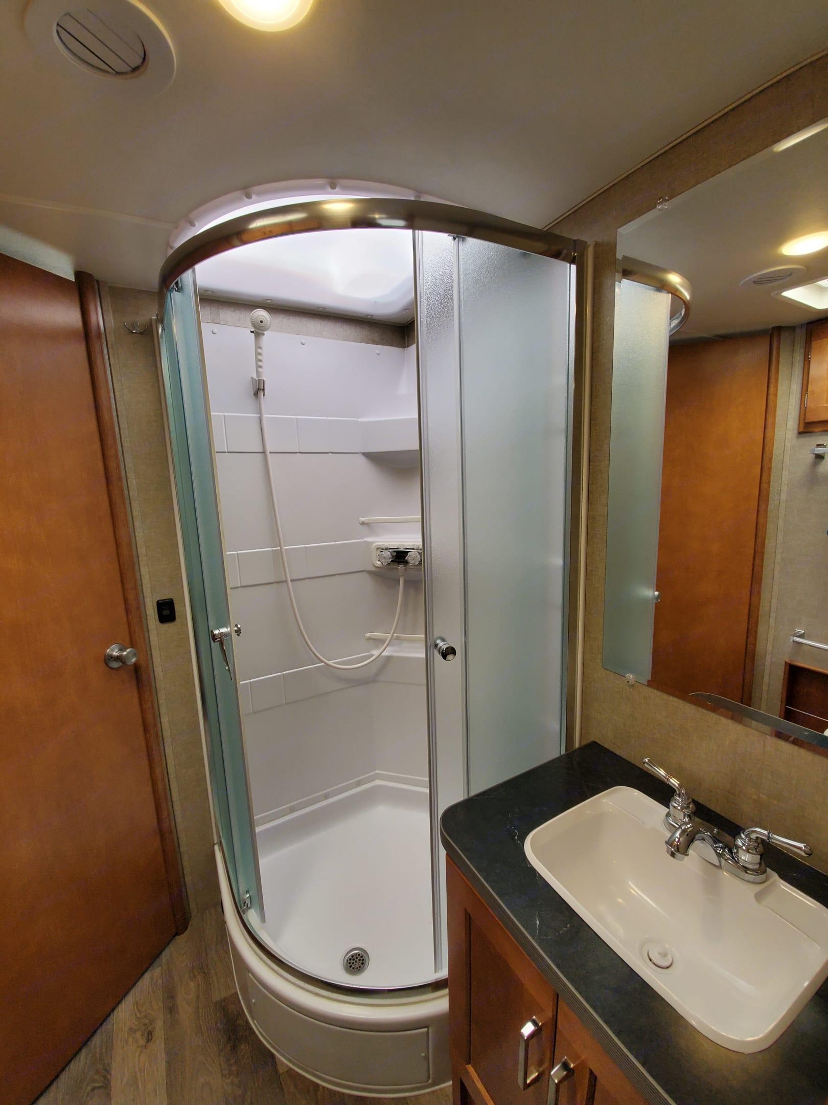 bathroom with hot and cold water. Winnebago Minnie Winnie 2019