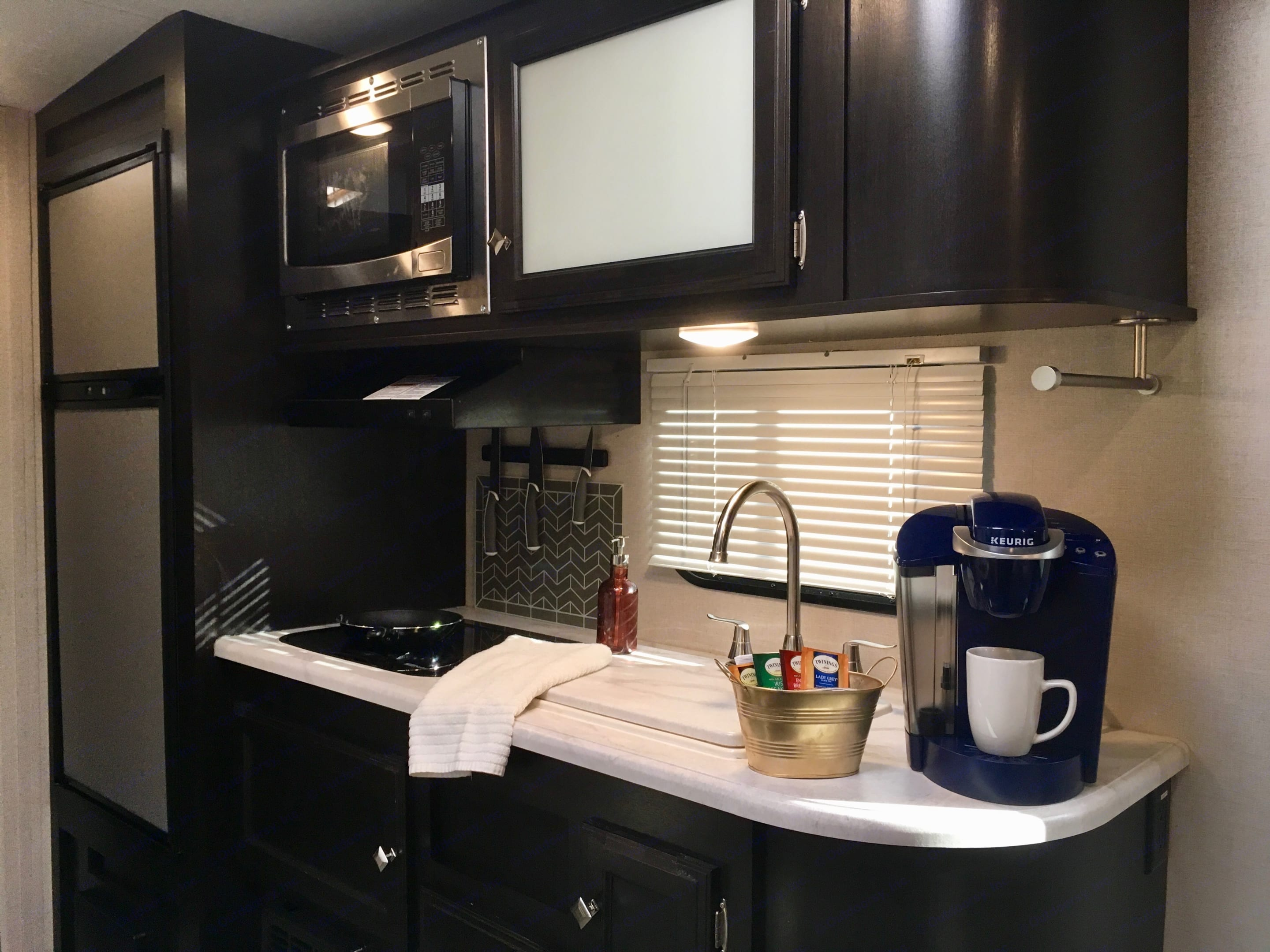 Enjoy complimentary coffee, tea, and bottled water with every reservation.. Venture Rv Sonic 2018